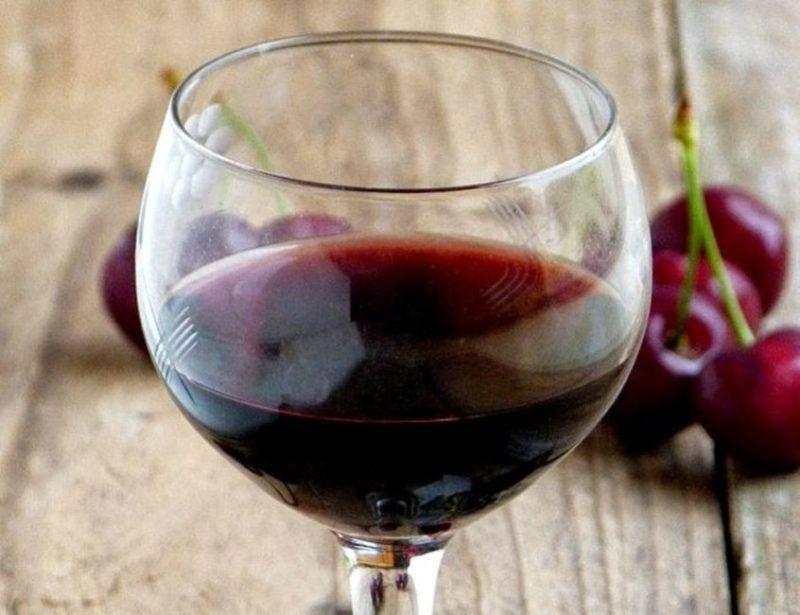Вишневое вино фото