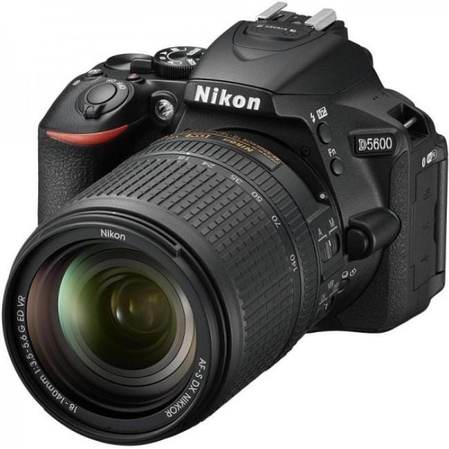 Nikon D5600 Kit фото