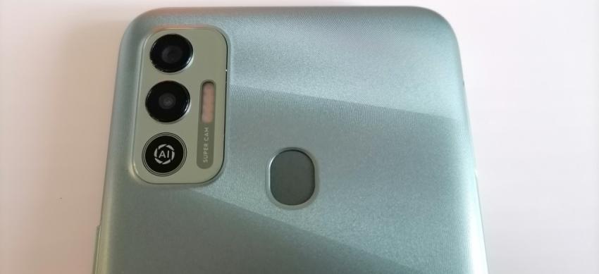 Камера смартфона Tecno Spark 7